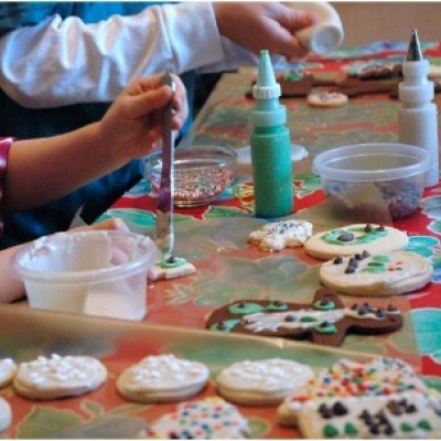 holiday cookie decorating - Cookie Decorating